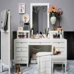 Decorative set dresser