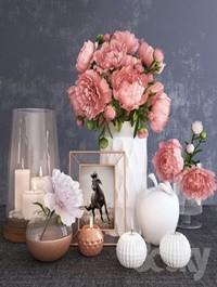 Decorative set with peonies